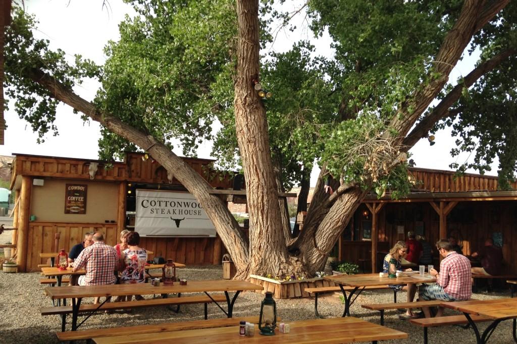 05-11-15 Cottonwood Steakhouse Bluff (7)